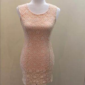 Forever 21 lace sleeveless cocktail fitted dress